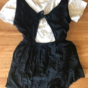 NWOT black romper with keyhole back cutout